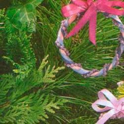 Украшение к Новому году из бумажного шнура