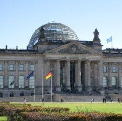 Der Bundestag – Бундестаг (федеральное собрание), функции бундестага, Федеральное правительство - Bundesregierung