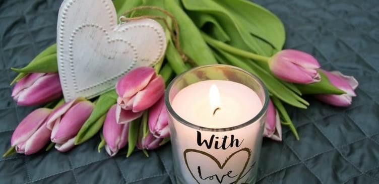 Традиционный подарок в День матери – букет цветов